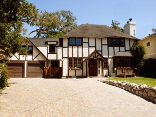 Tudor Rose Manor Large Family Reunion/Retreat Home, Aptos