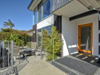 New Mid Century Modern at the Beach! Wow!, Carlsbad