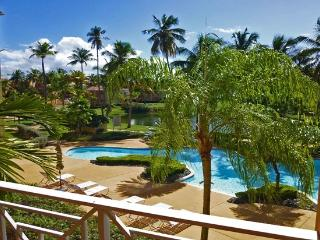 Poolside Condo, Steps to Beach, Humacao