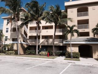 Cape Coral  3 bedroom unit in the gated community