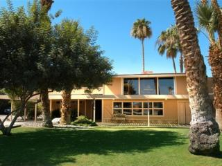 Sunset Ranch Oasis - with Water Ski Lake, La Quinta