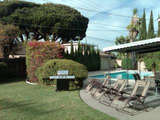 SUPERB 3bed 2.5ba POOL VACATION HOME NEAR DISNEY, Anaheim