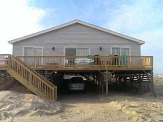 Wonderful Ocean Views in This Cozy Beach Home, Nags Head