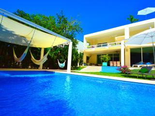 Villa Mariposa - privat Pool- 2x Jacuzzi, Playa del Carmen