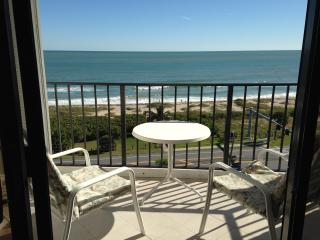 Escape to oceanfront Florida condo, Fort Pierce