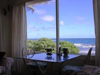 Mountain Ocean House -5br beachfront home near PCC, Hauula