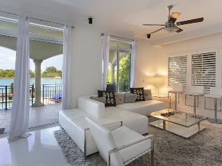 Stunning 5Br Villa Aletheia, Miami Beach