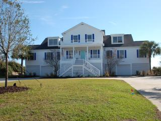Oceanside Property - THE BLUE TERRAZZ - Sleeps 4, Sullivan's Island