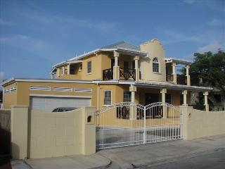 Maya's Bajan Villas - Unit B - (8 person accomodation)