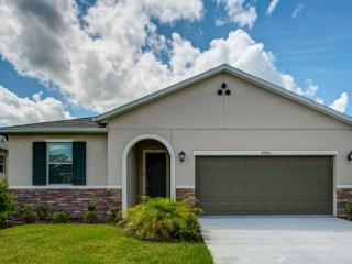 Sunrise Valley 4 BR 2 Bath Private Pool, Kissimmee