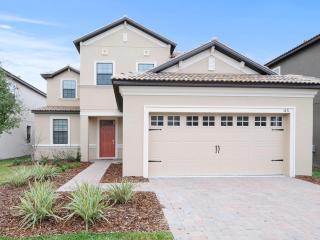 Beautiful! 5bd Disney home w/POOL&SPA - 1431TH, Davenport