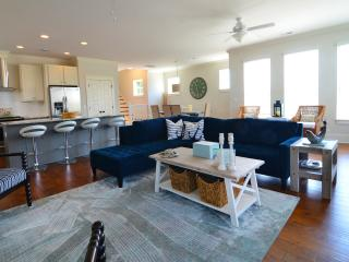 Anchor Down -Luxury 5 Bedroom House-Private Pool, Kure Beach