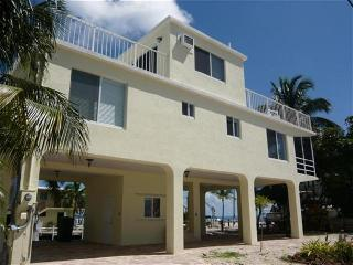 BLUE WATER RETREAT, Islamorada