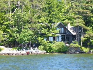 Spectacular Winnipesaukee Waterfront Rental!, Moultonborough