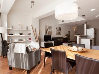 stylish 3 bedroom apartment in Barcelona Eixample