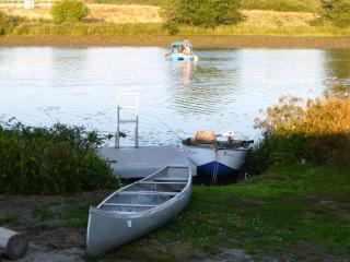 Lakefront Family Getaway, Fishing, Water Sports, Gearhart