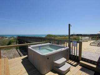 Beach Front, Gorgeous Decor, Hot Tub, Screen Porch, North Topsail Beach