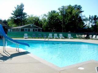 4 bdrm-Heated pool-AC sleeps 12, Mears