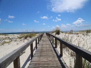 2BR/2BA Gulf View Condo at Gulf Shores Plantation