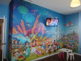 Luxury Family Vacation Resort 3 miles to Disney, Four Corners
