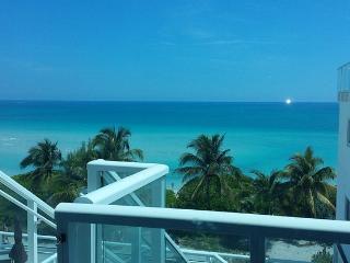 South Beach Condo with ocean view, Miami