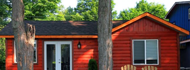 CARDINAL - Waterfront Cottage on Pigeon Lake, Lindsay