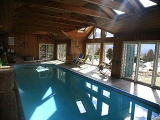 Private Indoor Pool! -TREAT YOURSELF 2017 VT VACAY, Danby