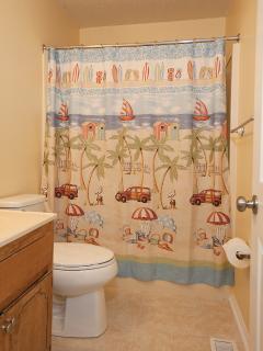 Upstairs bathroom located between the bedrooms