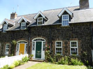 Copperpot Cottage: stylish self-catering Portrush.  Summer breaks booking now!
