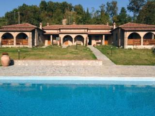 Toscane Villa dont 5 bungalows de 4 a 6 personnes
