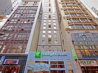 Impressive Holiday Inn Express NY 5th Ave, Nueva York