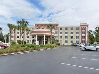 Nice Quality Inn & Suites Universal Studios, FL, Orlando