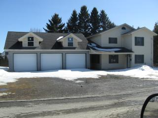 Snowmobiling/Vacation/3bedrooms/2bath/Garage/Fish, Van Buren