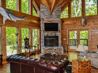 Log Cabin on The Ky Bourbon Trail w/ Heated Pool!, Pleasureville