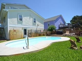 A Shore Thing HOUSE WITH PRIVATE POOL, Kure Beach