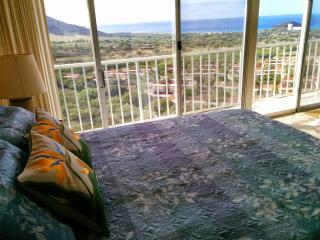 Stunning Views, Remodeled, High Floor Condo, Wifi, Waianae