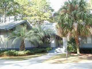 Spacious 3BR/3BA Home with Private Pool in Palmett