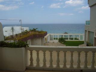 Villa Azaiiza-maison traditionnelle au bord de mer, Sousse