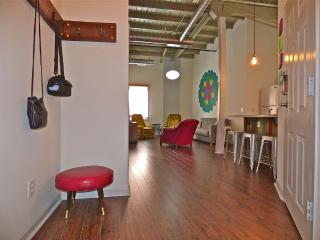 Loft In Heart Of Downtown Athens Historic Building, Atenas