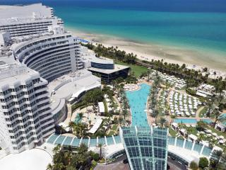 Luxury Suite with Amazing South Beach Views!, Miami Beach