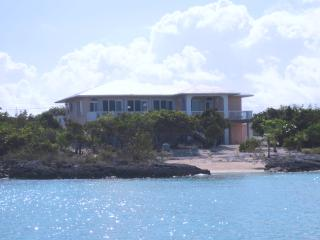 GIBRALTAR, Staniel Cay Beachfront Vacation Rental