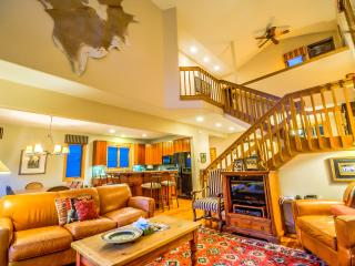 Luxury and Elegance - Book 4 Nights Get 1 Free!, Steamboat Springs