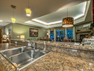 Luxury Near the Gondola Base, Steamboat Springs