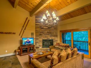 Beautiful, Spacious Unit. Short Walk to Gondola, Steamboat Springs