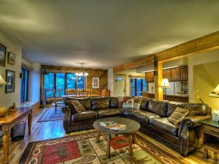 Spacious Ski Home with Hot Tub, Steamboat Springs