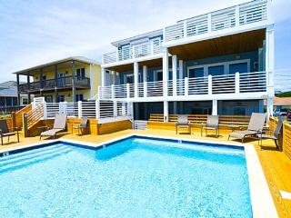 KURE'S PEARL- OCEANFRONT, 6 BR, POOL, HOT TUB, ELEVATOR, Kure Beach