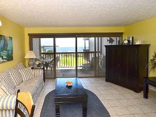 Sea Colony 8B...Beautiful Oceanfront, W/Pool