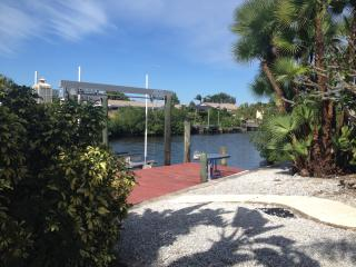 Waterfront, Apollo Beach, Bungalow w/Pool