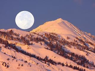 Luxury Ski Condo by Snowbasin, Huntsville
