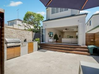 BONDI BEACH Lamrock Avenue House (H), Bondi